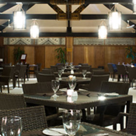 Plantation Island Resort - Dining - Black Coral Restaurant & Bar