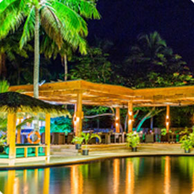 Plantation Island Resort - Dining - Flame Tree Restaurant