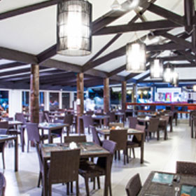 Plantation Island Resort - Dining - The Ol' Copra Shed Restaurant & Brigham Bar